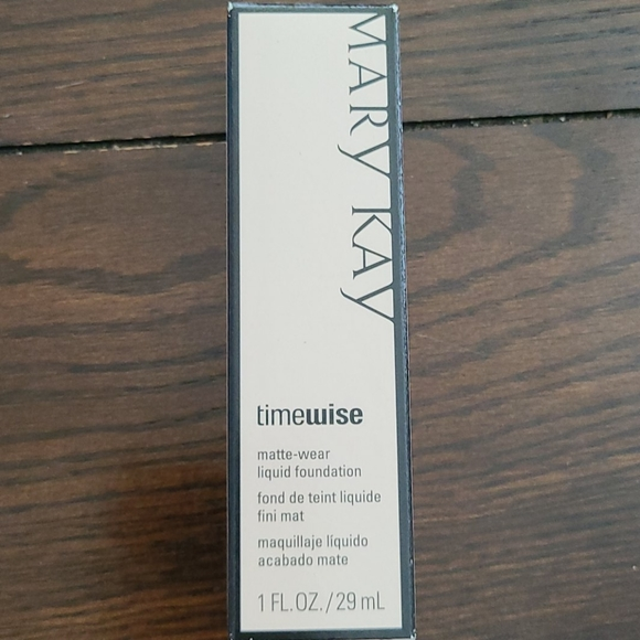 Mary Kay Timewise Matte-Wear Ivory 6